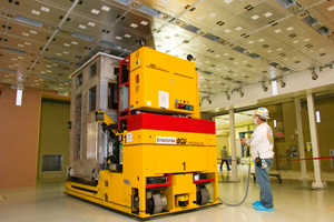"<h3>Laser Bay Transporter</h3>The laser bay transporter, an automated guided vehicle, is used to install canisters containing amplifier slab cassettes, known as line replaceable units, into the main amplifier frame assembly units. <br/><br/><a href=""content/assets/images/media/photo-gallery/large/nif-0207-13413_11.jpg"" target=""_blank"">Download hi-res image</a><br/><a href=""/media/photo-gallery?id=nif-0207-13413_11"">Direct Link</a>"