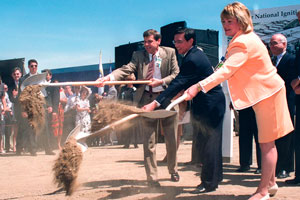 "<h3>NIF Groundbreaking</h3>Lawrence Livermore National Laboratory Director Bruce Tarter, Secretary of Energy Federico Pena, and Congresswoman Ellen Tauscher participated in the groundbreaking on May 29, 1997.<br/><br/><a href=""content/assets/images/media/photo-gallery/large/nif-1209-18053.jpg"" target=""_blank"">Download hi-res image</a><br/><a href=""/media/photo-gallery?id=nif-1209-18053"">Direct Link</a>"