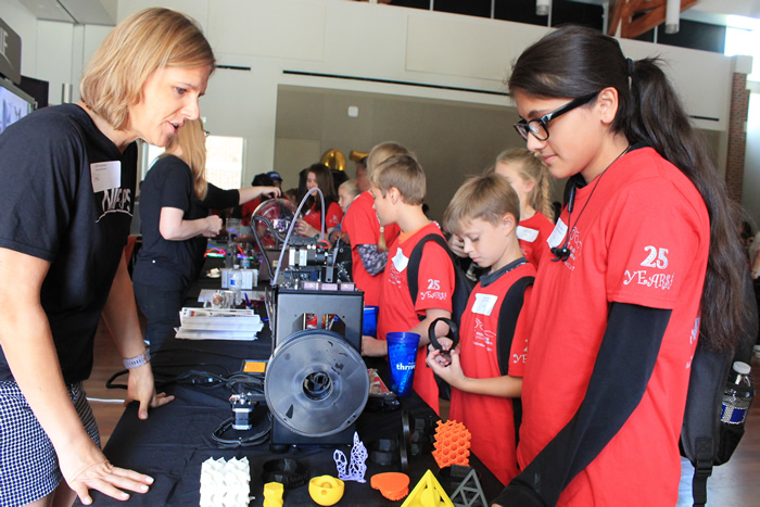 Rebecca Dylla-Spears Demonstrates 3D Printing