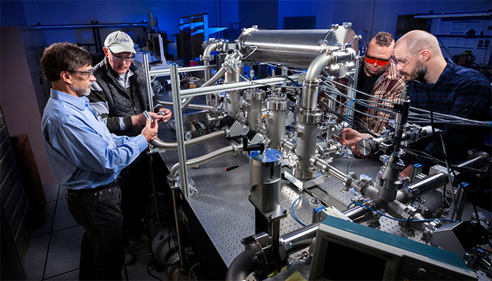 Researchers Inspect Neutron Imaging System