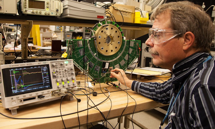 Engineer Measures ARC Pulsers