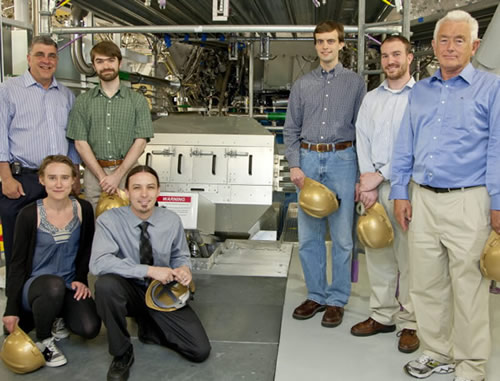 MIT Ph.D. Students With Magnetic Recoil Spectrometer